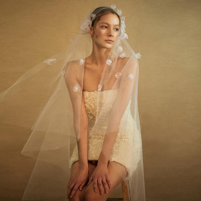 voile mariée en tulle orné de fleurs 3D