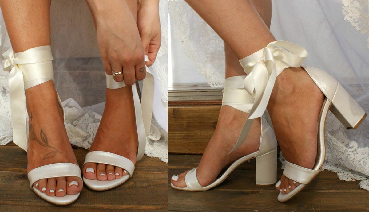sandale de mariage écru avec ruban à talon haut