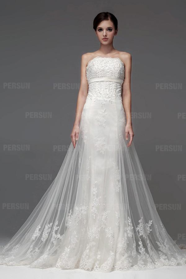 Robe de mariée blanche bustier sirène dentelle bijoux