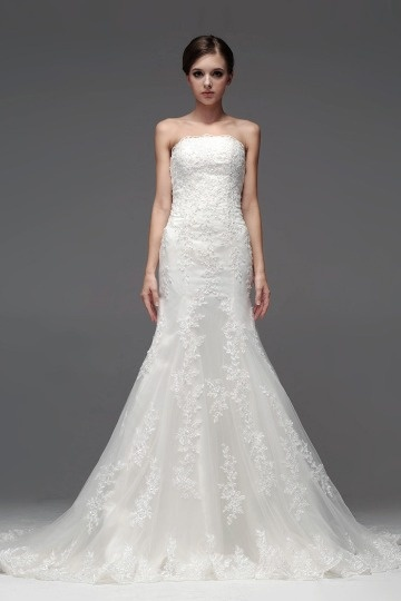 Robe blanche de mariée sirène bustier dentelle