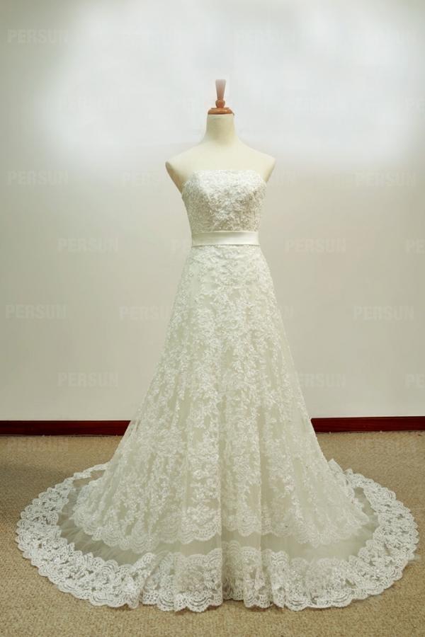 robe de mariée vintage en dentelle florale bustier droit avec une ceinture