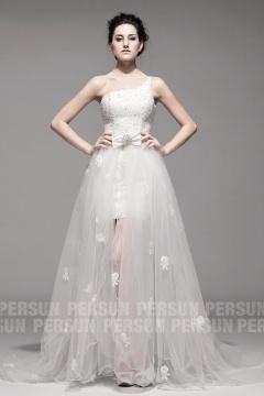 Robe ivoire pour la mariée à traîne détachable à encolure asymétrique en organza