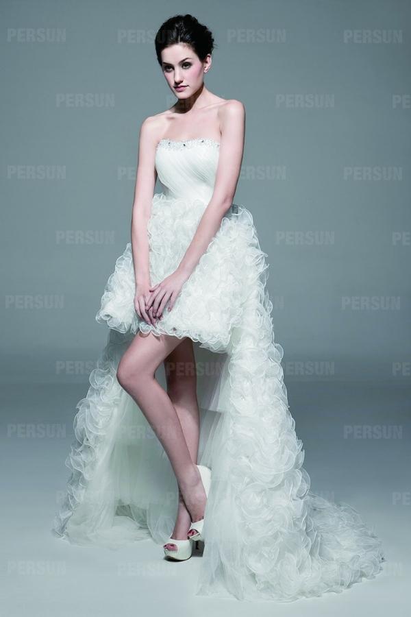 robe de mariée courte bustier vague avec jupe et traîne brouillonné détachable