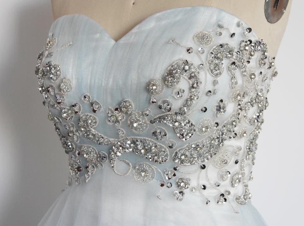 robe cérémonie bustier délicatement brodé