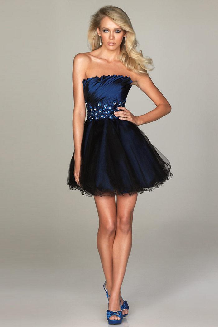 Robe bleu marine pour soirée de danse