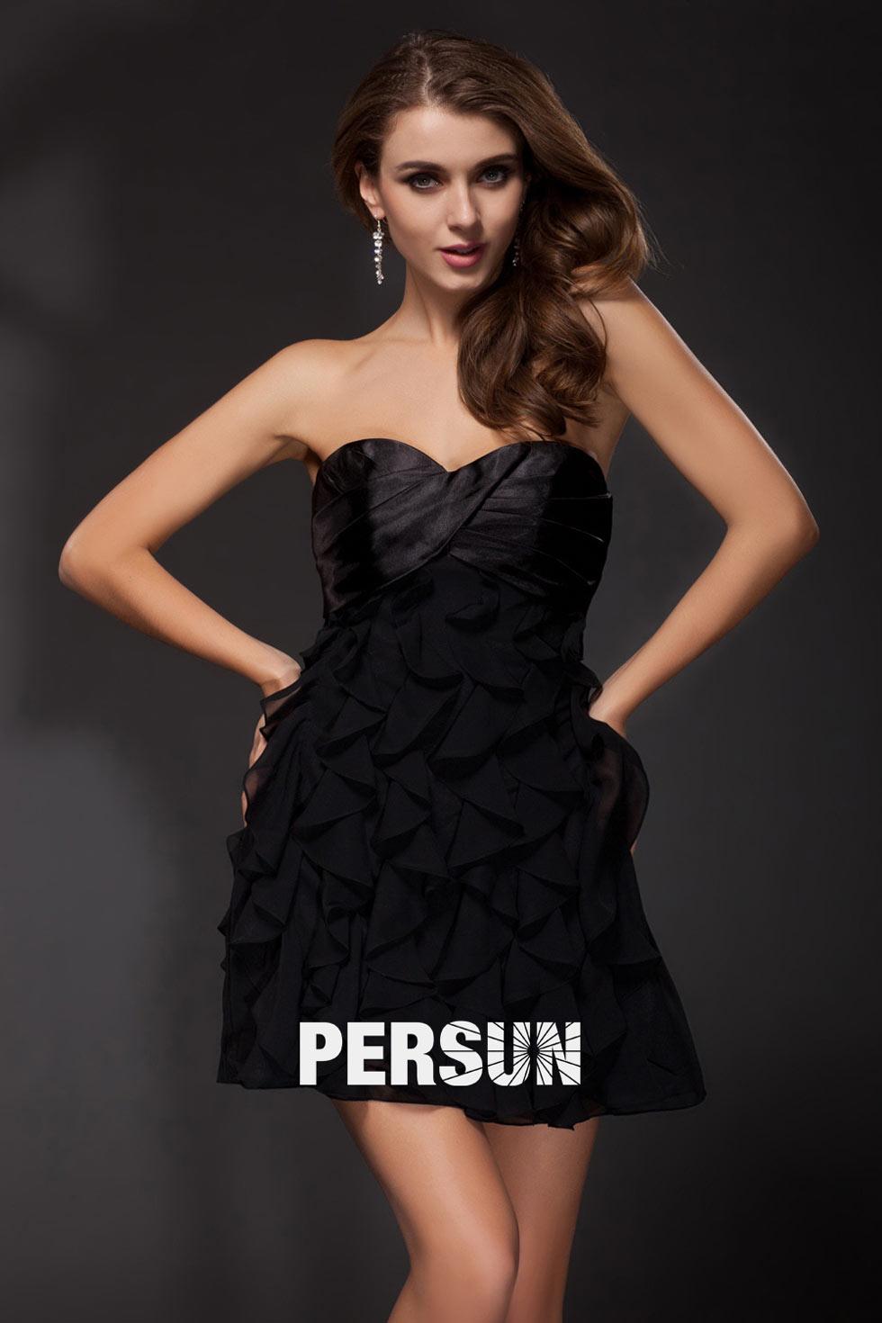 petite robe noire bustier cœur à froufrou