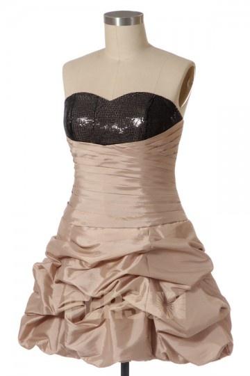 Robe de bal courte bustier princesse en taffetas à haut sequins