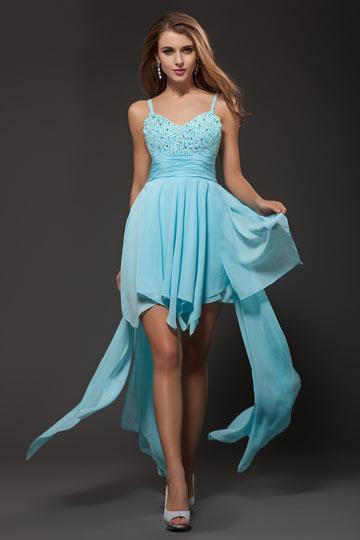 robe bleu courte devant longue derrière avec bretelle fine orné de strass