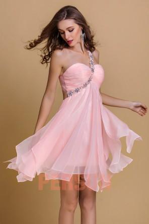 Robe de cocktail asymétrique en Tencel rose jupe fantaisie Ligne A bretelle strassée