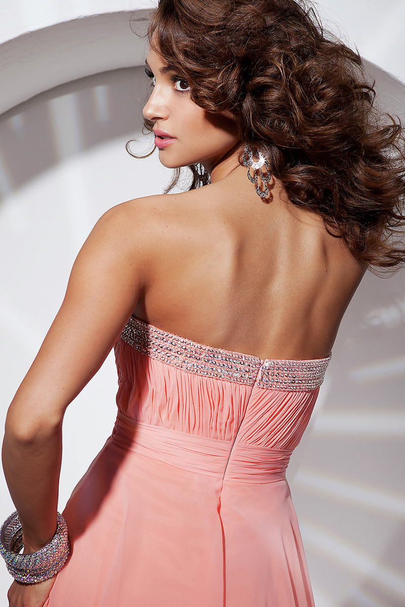 robe rose dos nu courte
