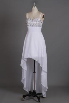 Robe de bal haut-bas moulante élégante avec bretelle fine et cristal