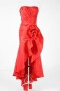 Robe de bal haut-bas trompette plisée en taffetas sans bretelle avec fleur