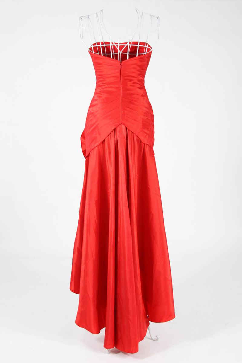 Robe gala chic courte devant longue derrière en taffetas rouge