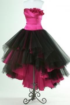 Robe de bal bustier rose bonbon courte devant longue derrière