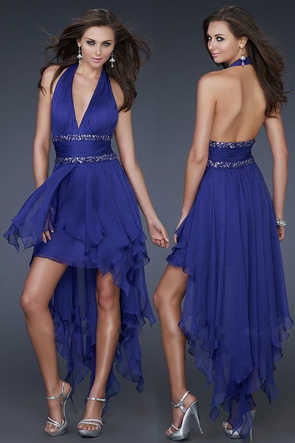 robe de bal courte devant longue derrière col halter décolleté taille embelli de strass
