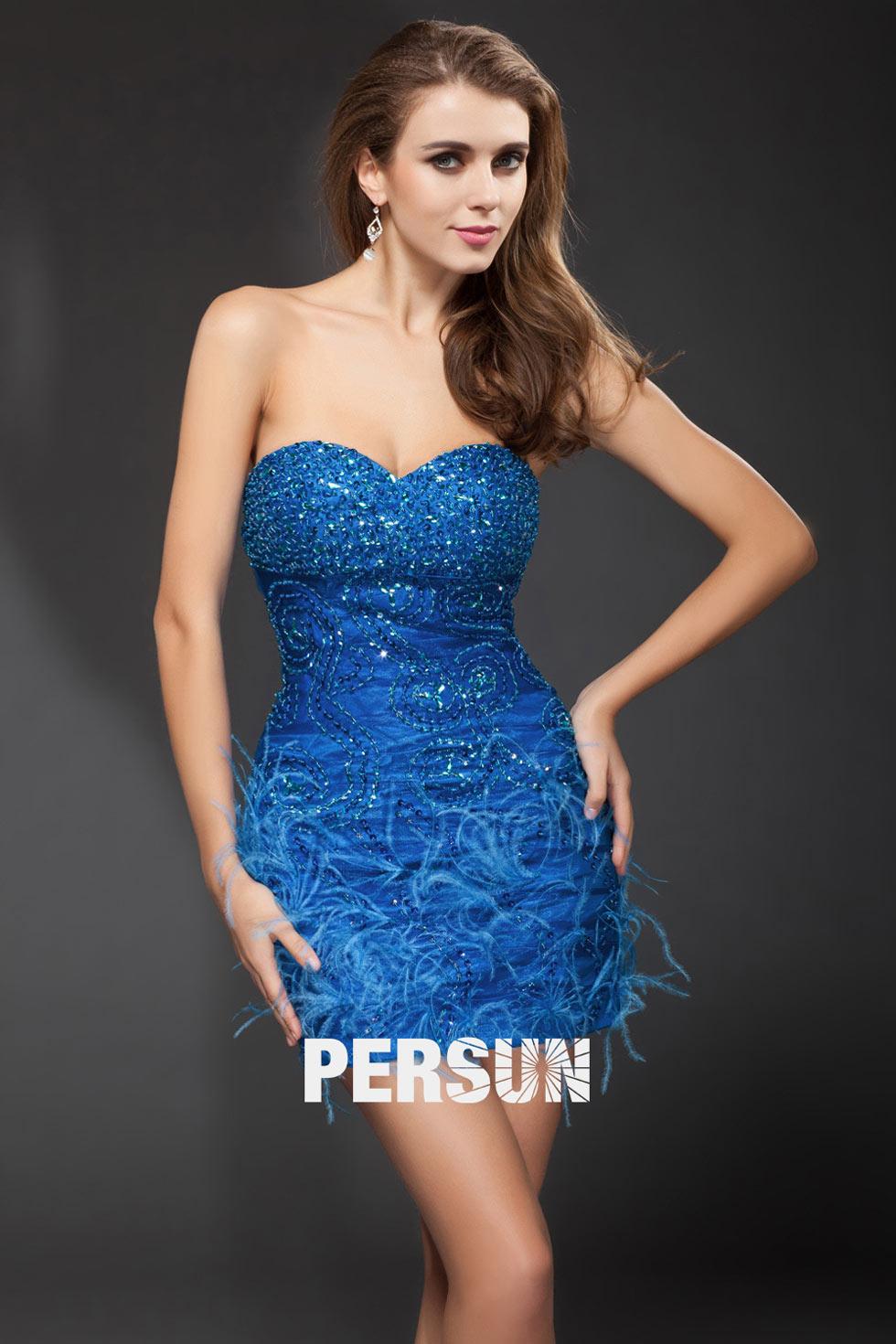 robe courte bleu bustier coeur embellie de bijoux et plumes