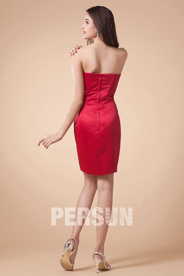 Petite robe rouge de cocktail fourreau bustier à nœud papillon