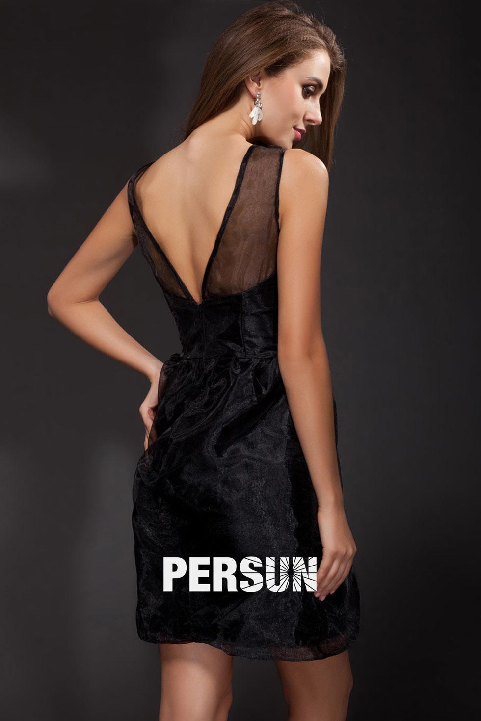 robe de soirée noire avec détails transparents