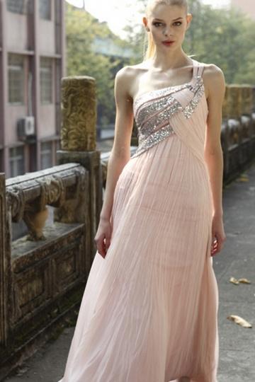 Robe de soirée asymétrique rose ornée de strass Ligne A expédié en 24h