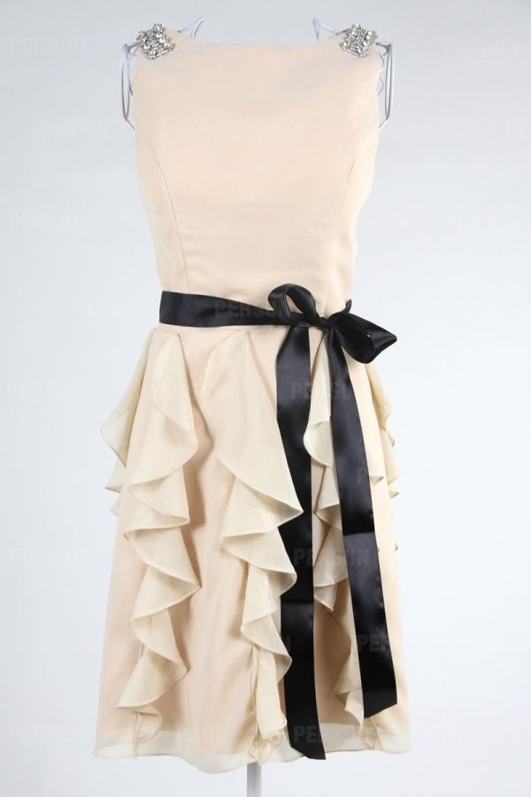 Robe cérémonie noire courte en mousseline ruchée avec ceinture noeud papillon