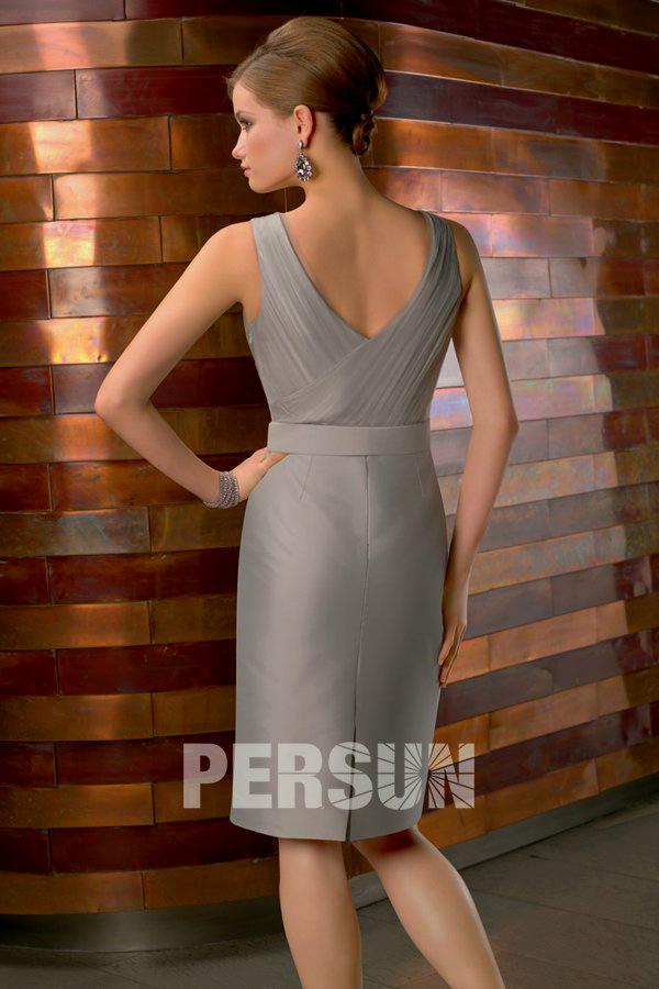 robe grise pour l'invitée de mariage