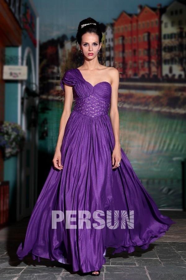 Robe violette asymétrique ruchée ornée de strass