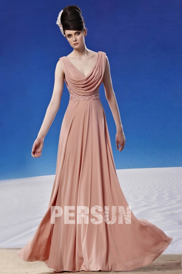 robe de soirée rose nude col bénitier avec broderies