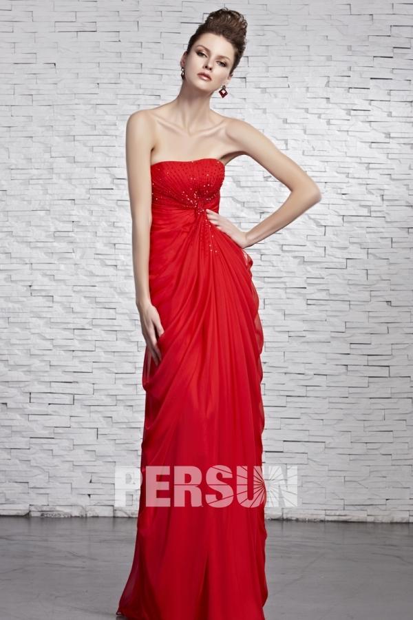 Robe rouge bustier ruchée empire mousseline ornée de perles