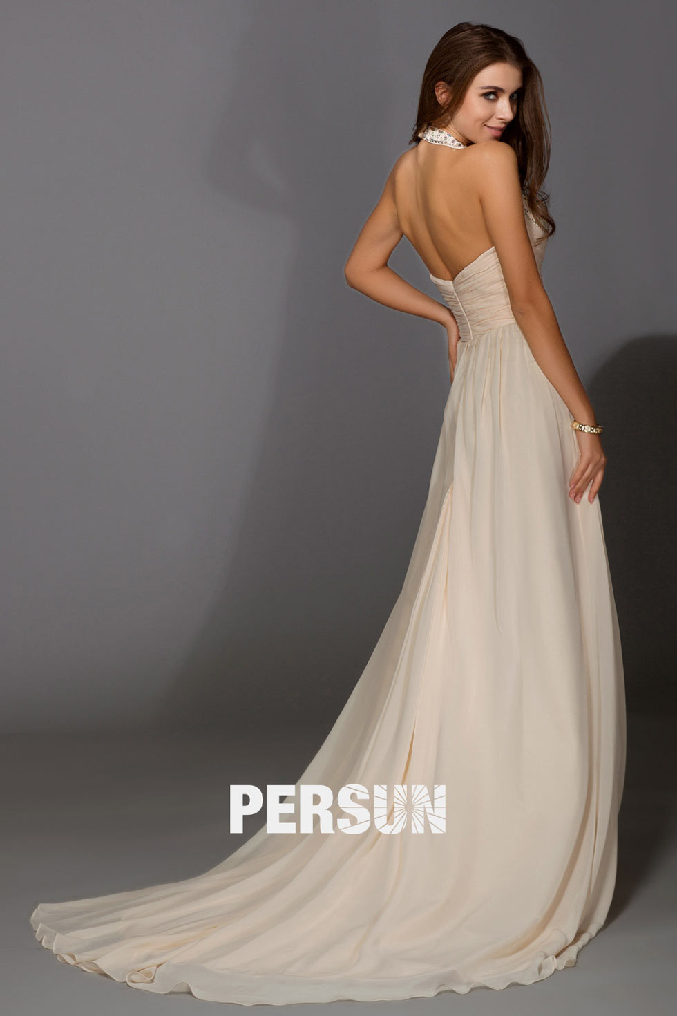 robe longue en couleur crème pour soirée