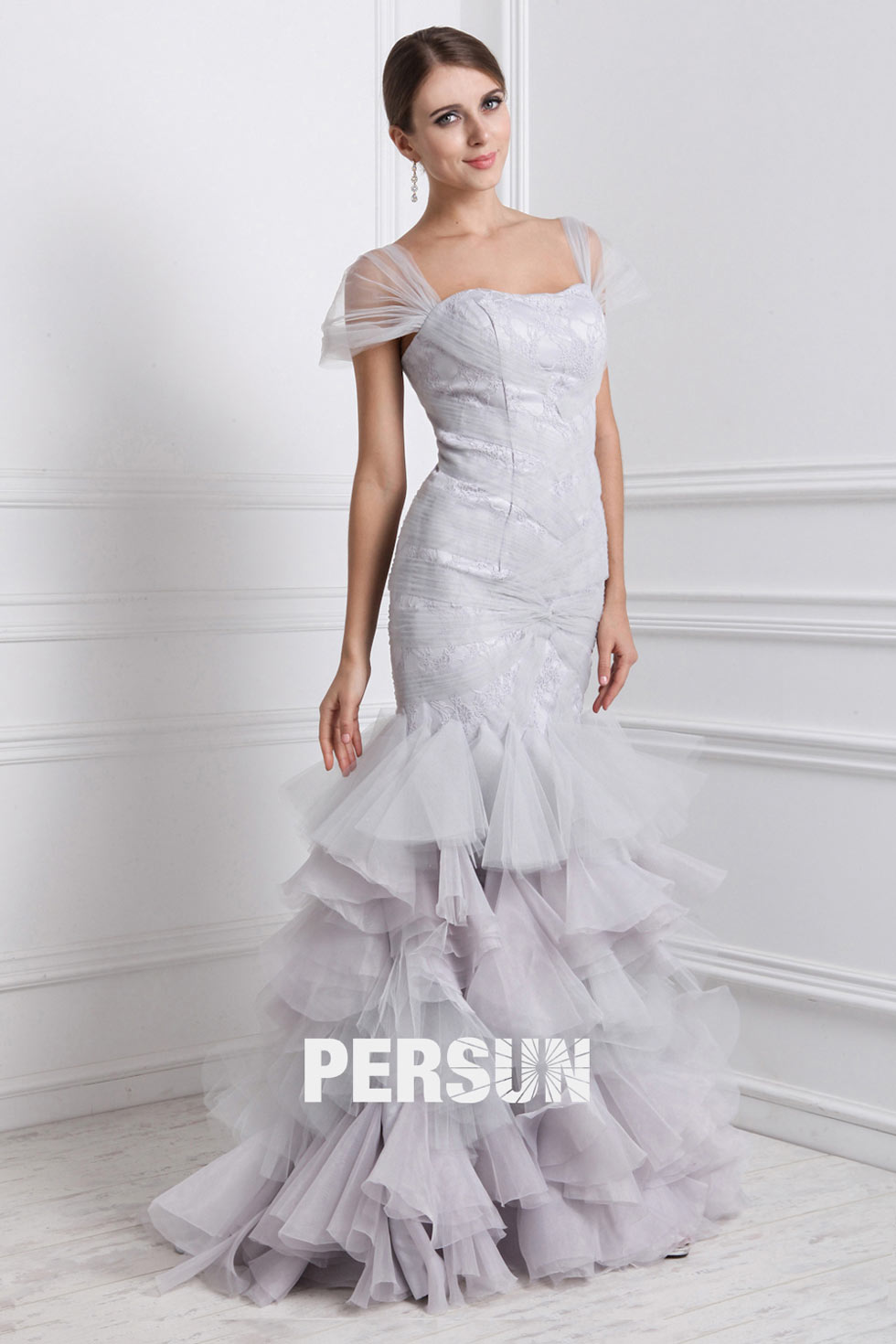 robe sirène à volants avec mancheron