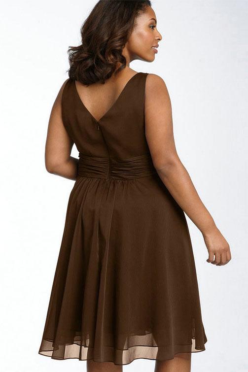 robe de soirée courte grande taille dos échancré en V