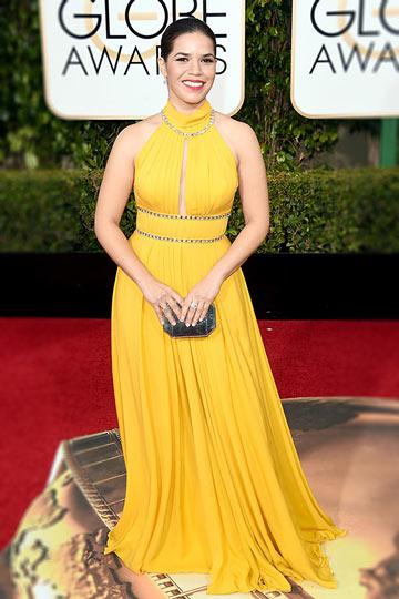 Robe longue pour soirée col américain dos découpé America Ferrera aux Golden Globes Awards