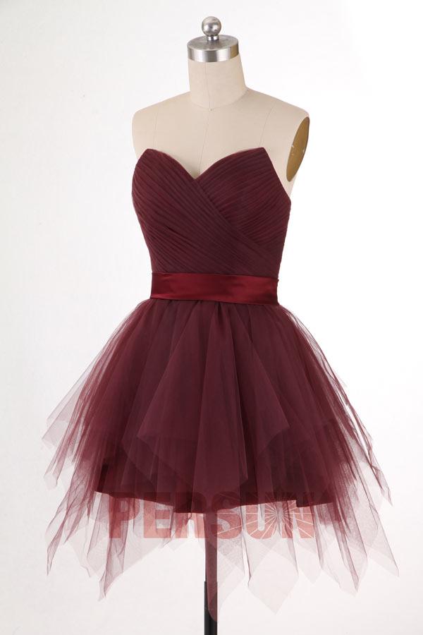Petite robe bustier cœur en tulle dos laçage jupe à volants