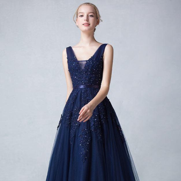 robe d'anniversaire bleu col V vintage appliquée dentelle