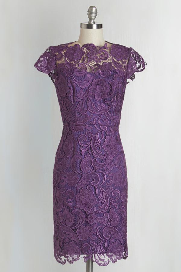Petite robe violine vintage dos découpe avec mancherons