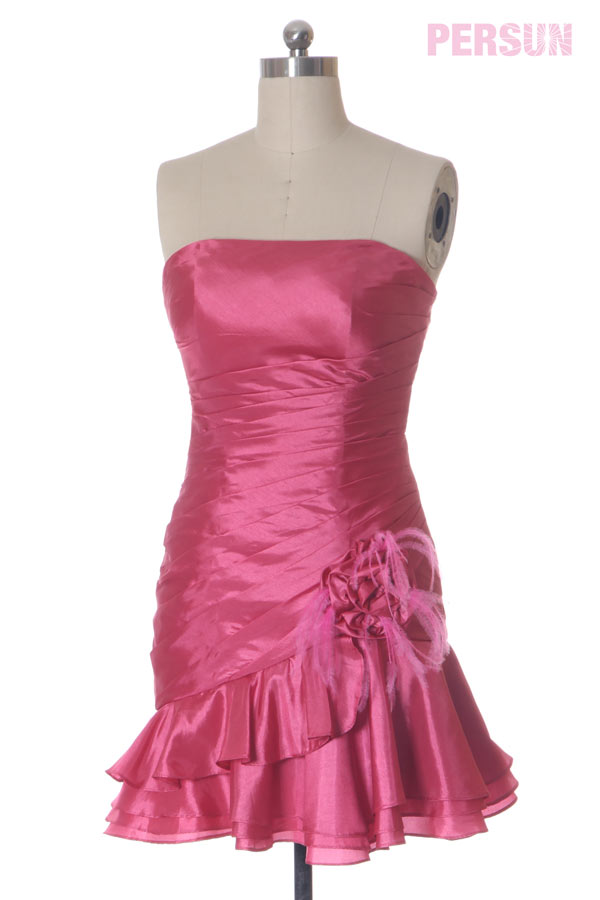 Sexy Robe de bal / cocktail courte & moulante en taffetas rose bonbon