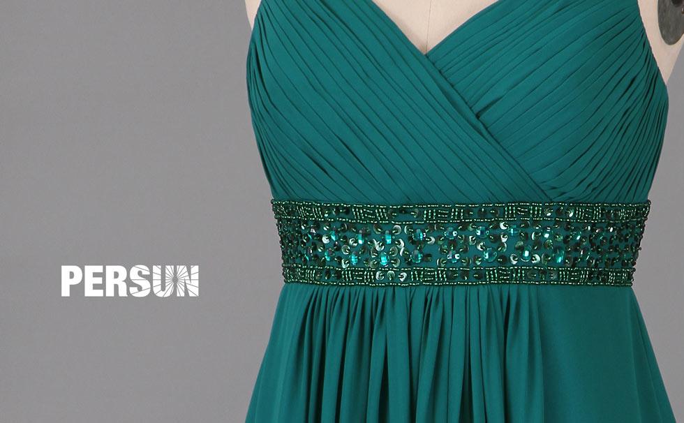 robe de soirée empire verte pour aller à un mariage col en V avec bretelle fine