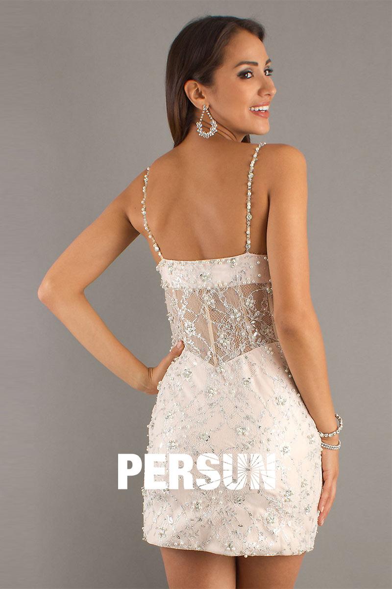 mini robe à fines bretelles