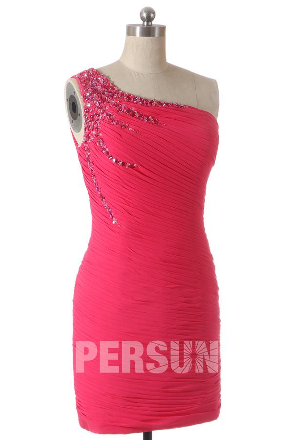 Robe de cocktail courte & moulante entièrement drapé en mousseline rose bonbon