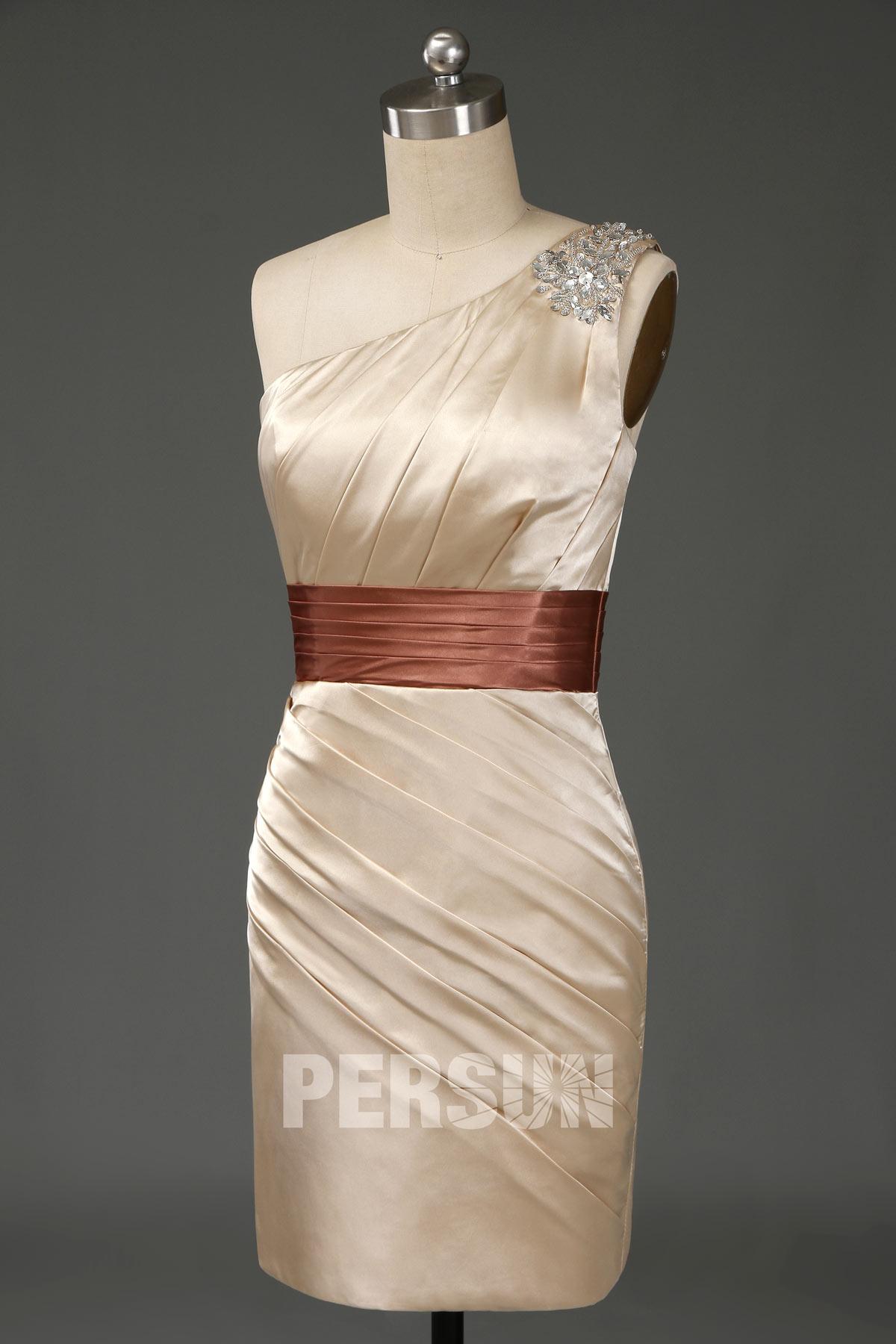 robe de cocktail plissé courte moulante asymétrique champagne dorée embelli de strass
