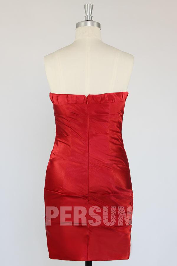 Robe fourreau rouge bustier en satin élastique
