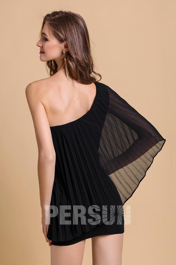 Petite robe noire asymétrique en mousseline