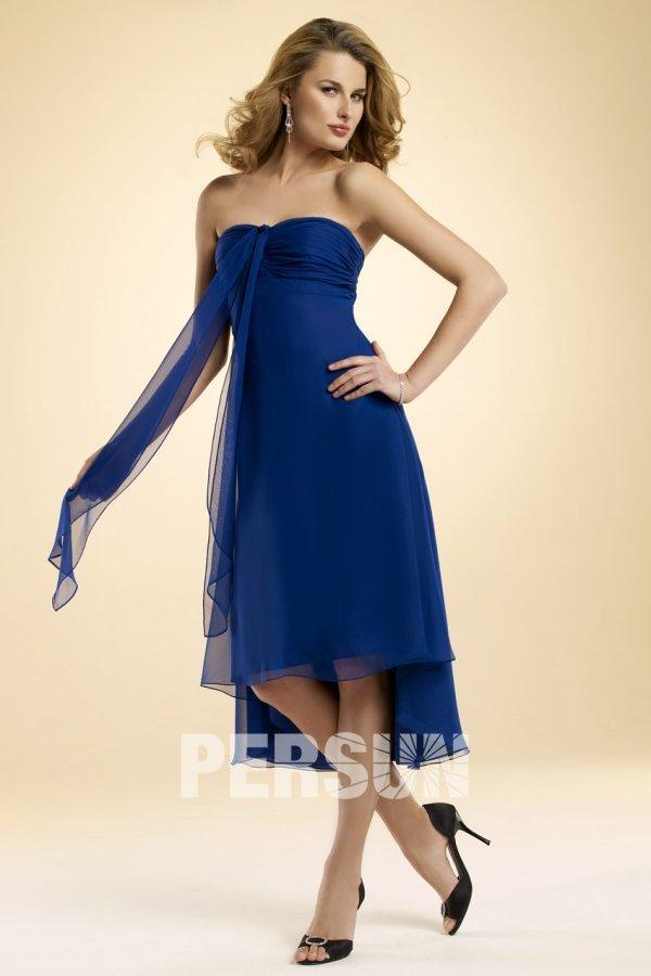 Chic robe courte devant longue derrière ornée de voilage