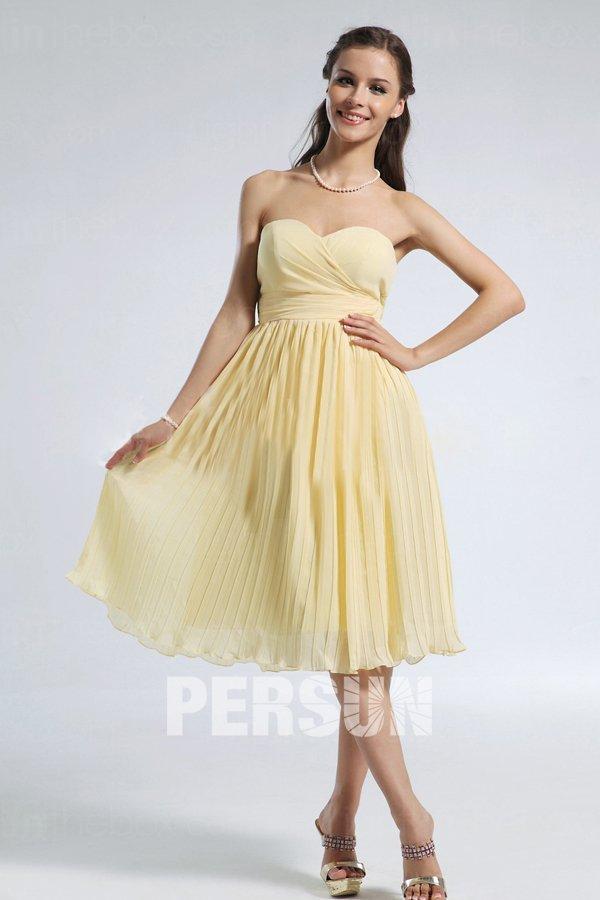 robe demoiselle d'honneur jaune pastel courte bustier coeur drapé jupe plissé