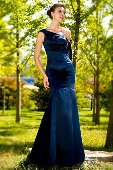 Robe de soirée longue bleu asymétrique nœud sur le bras