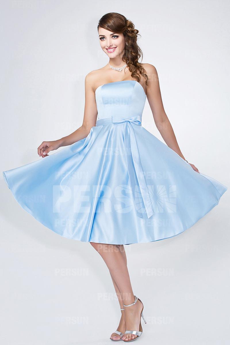 robe demoiselle d'honneur courte bleu glacier en satin bustier droit