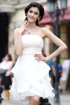 Robe blanche bustier en mousseline Empire courte
