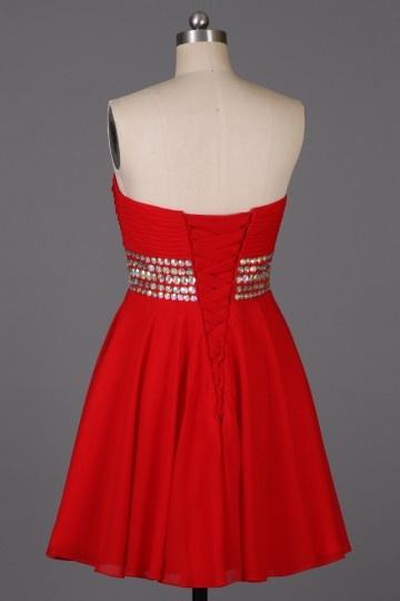 Petite robe rouge ornée de paillettes au niveau de la taille - Persun.fr bd5c5731ce9