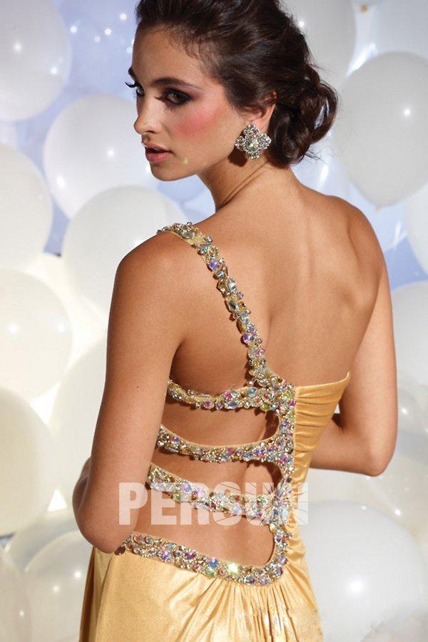 robe ornée de strass à dos ouvert