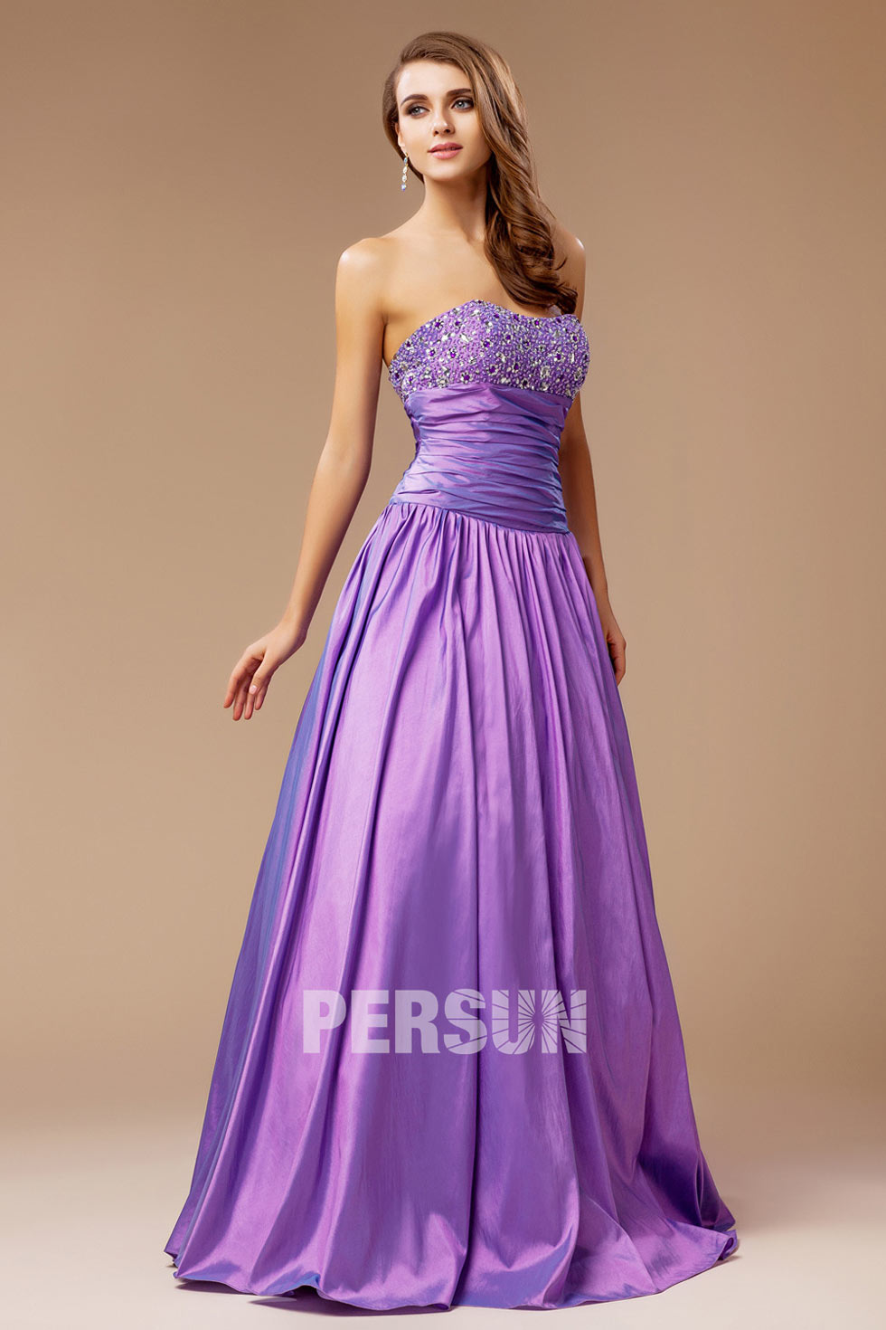 robe bal violette bustier coeur à haut brodé de sequins